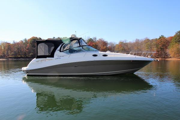 Sea Ray 340 Sundancer Starboard profile