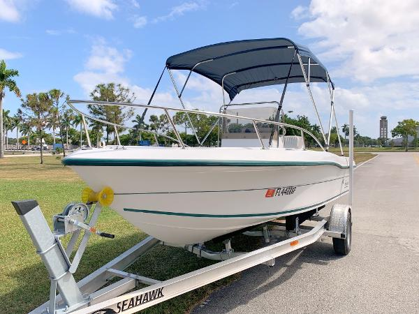 Angler 180 Center Console