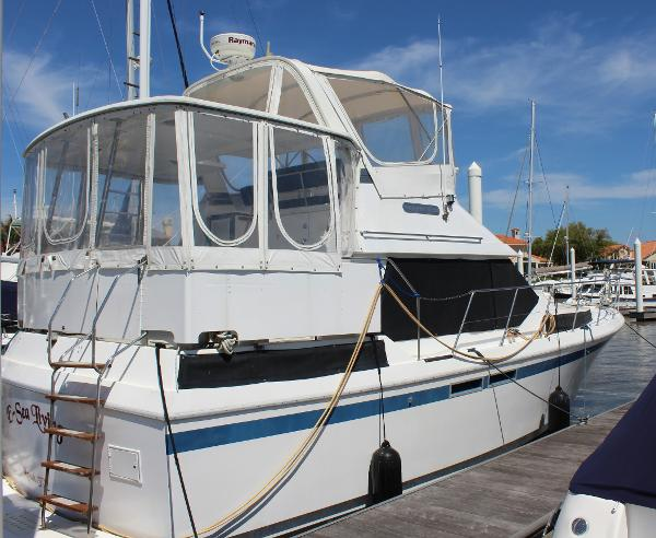 Present Yachts Nautique