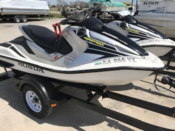 Honda Aqua Trax R-12x