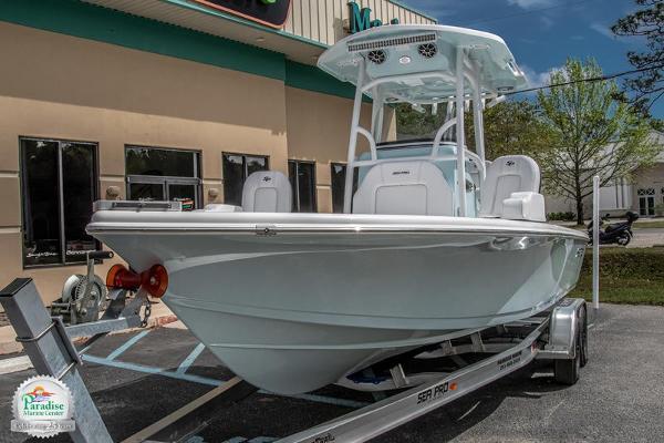 Sea Pro 248 Deluxe Bay