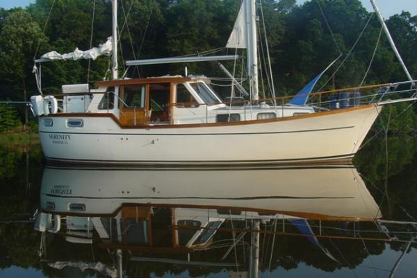 Siltala Yachts Nauticat 33' Nauticat starboard profile1