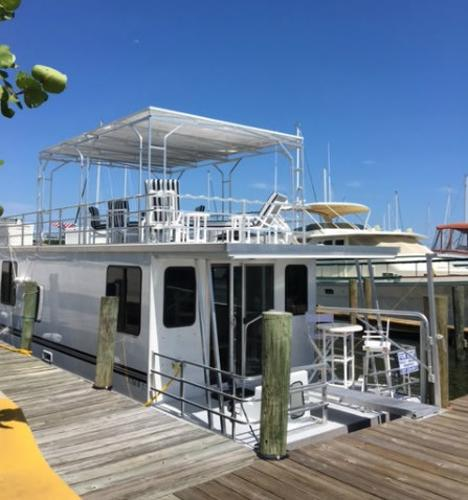 Catamaran Cruisers 12' x 42'