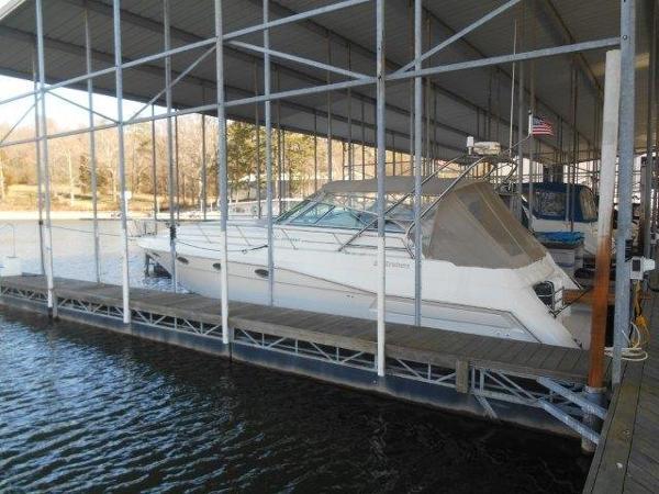 Cruisers Yachts 3775 Esprit Profile
