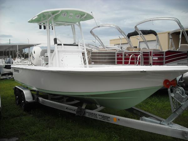 Sea Pro 228 Bay