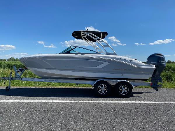 Chaparral 21 SSI Sport Outboard
