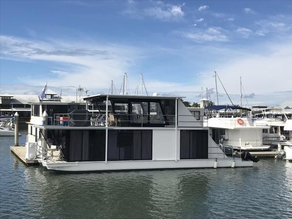 Havana Houseboats 52