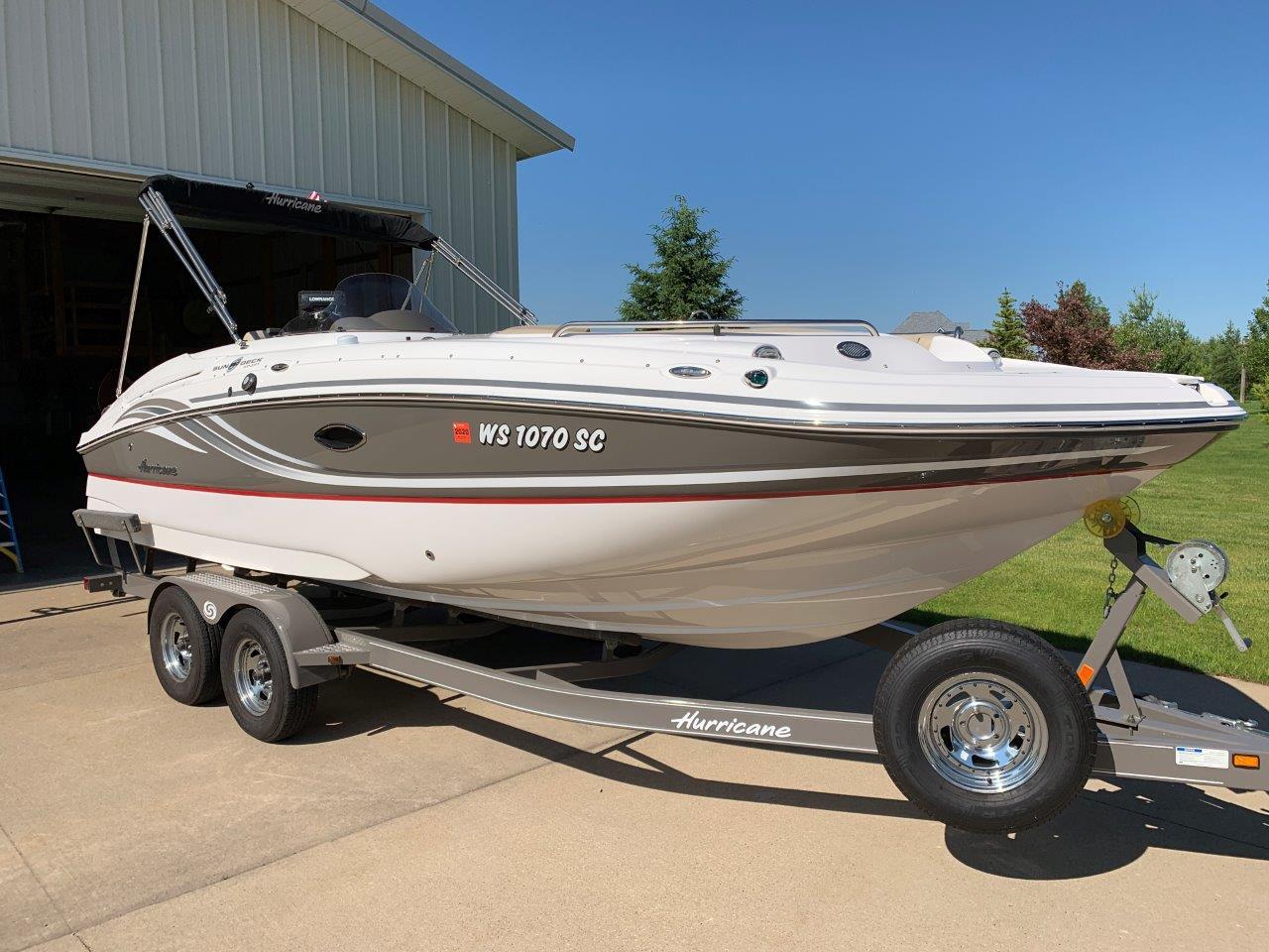 Hurricane Sun Deck Sport 220