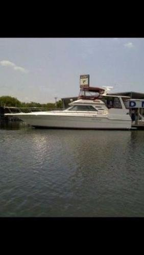 Sea Ray 440 Aft Cabin