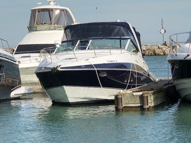 Cruisers Yachts 330EXP