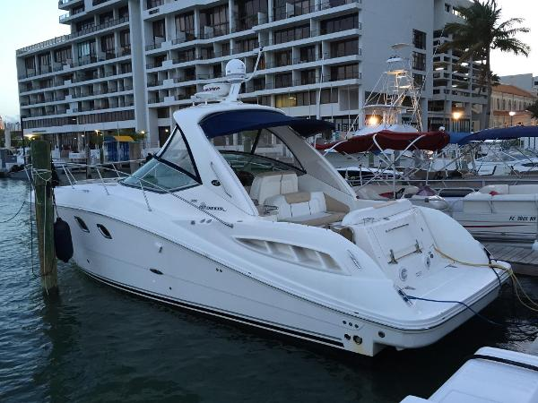 Sea Ray 330 Sundancer 33' Sea Ray 330 Sundancer 2008