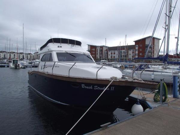 Viking Marin 32 Flybridge At Pontoon