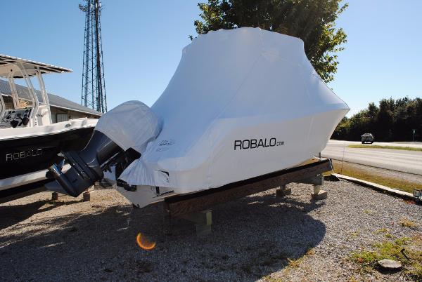 Robalo 222 ES Center Console 2017-Robalo-222-ES-Center-Console