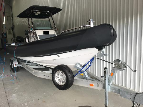 Protector 28 Center Console