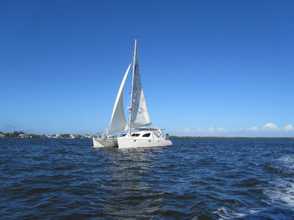 Voyage Yachts Maxim 380 Under sail