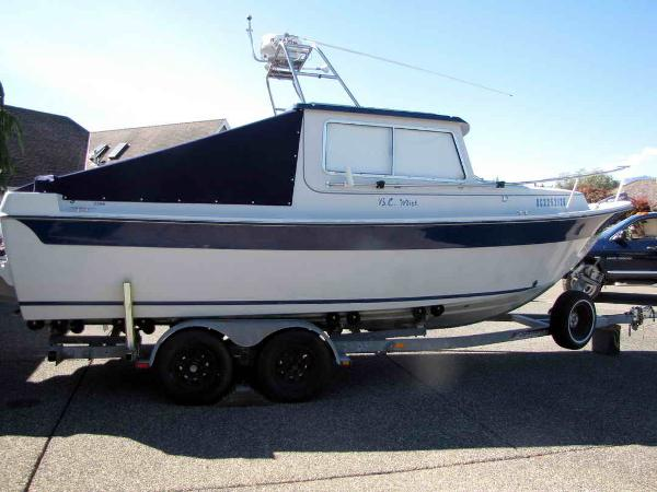 Sea Sport 2200 - Sport Fishing Boat