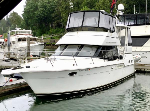 Carver 356 Aft Cabin Motor Yacht At the Dock