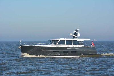 Sturier Dutchman 52 Port Profile