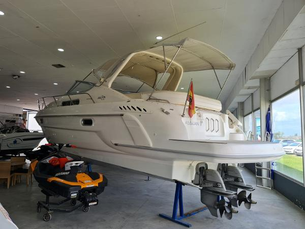 Sealine 360 Ambassador