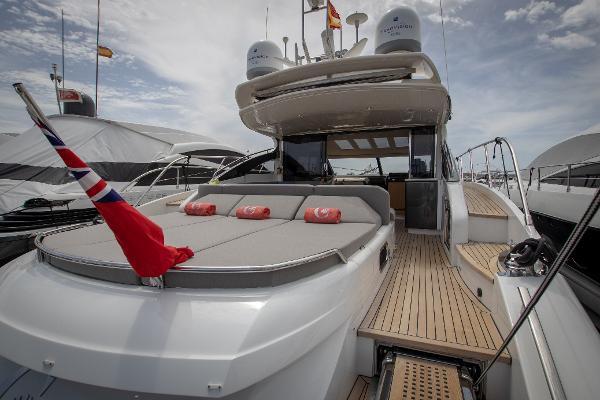 Princess V62-S - Aft deck sunbeds