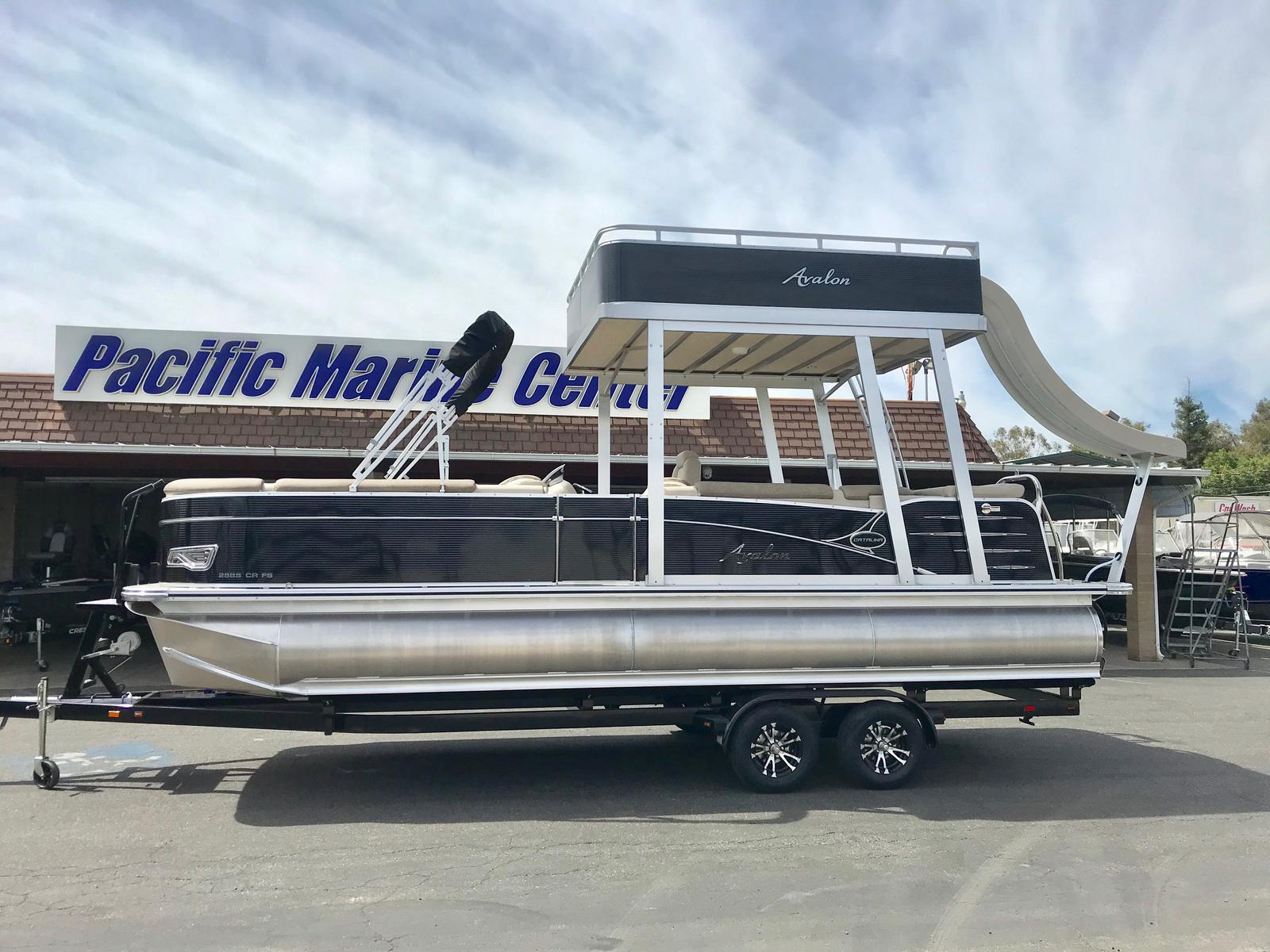 Avalon Catalina Funship 25' w/115 HP MERCURY