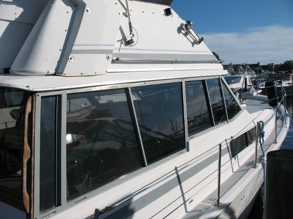 Bayliner 3888 MY Sedan