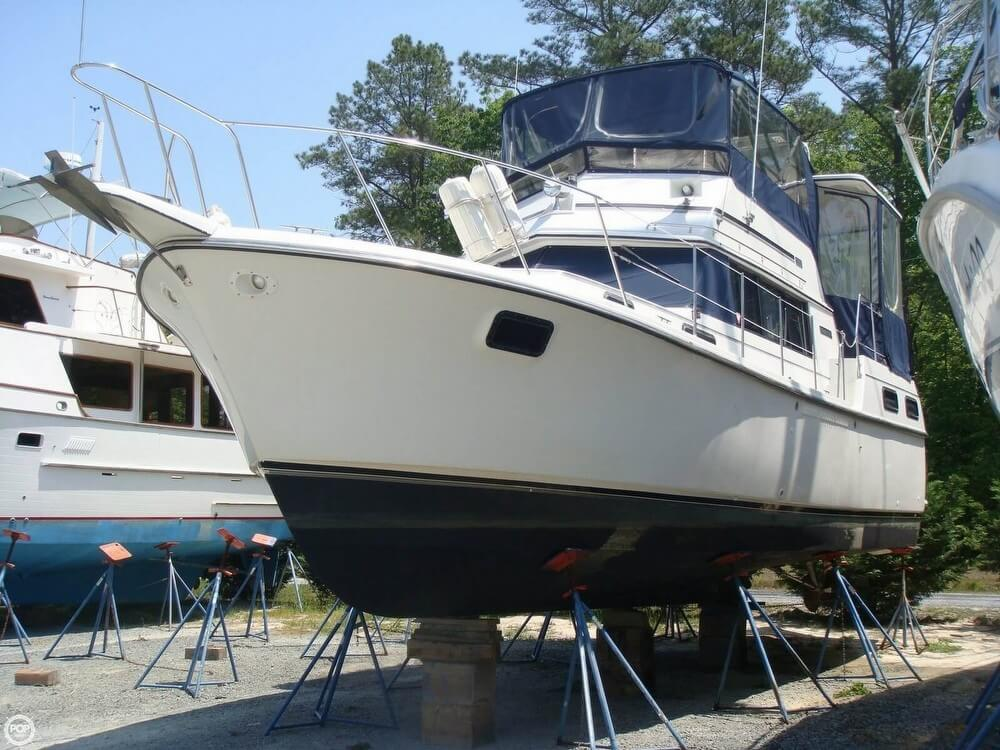 Carver 3607 Aft Cabin Motoryacht 1987 Carver 36 for sale in Deltaville, VA