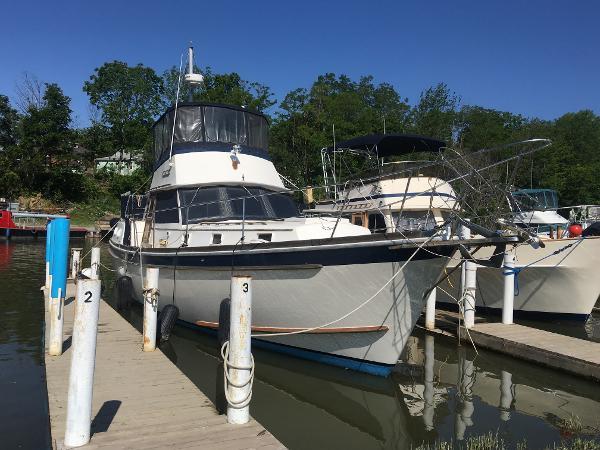 Gulfstar MKII sundeck Trawler
