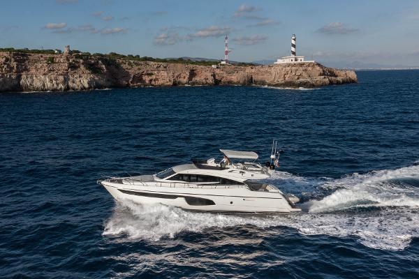 Ferretti Yachts 650