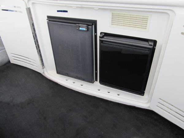 Cockpit Fridge and Ice Maker