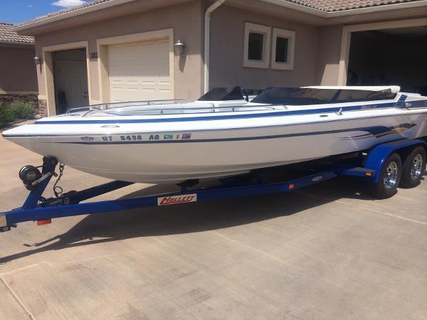 Hallett Boats 210 BR