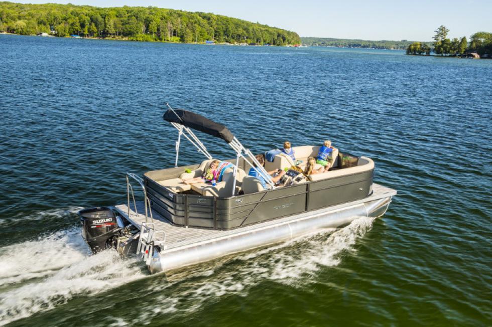 Crest Pontoon Boats Crest I 220 SLC