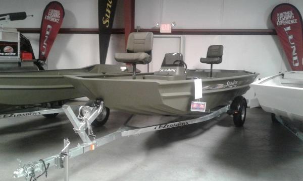 SeaArk RXT 180