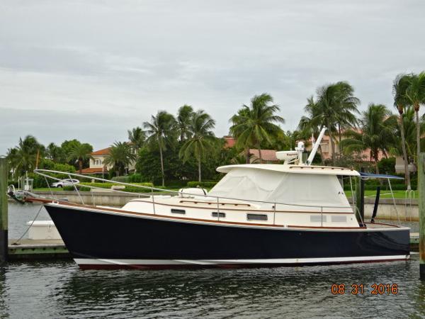 Bruckmann Bluestar 36.6 36' Bruckmann port profile