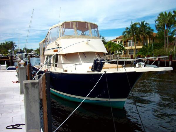 Mainship 430 3SR Trawler