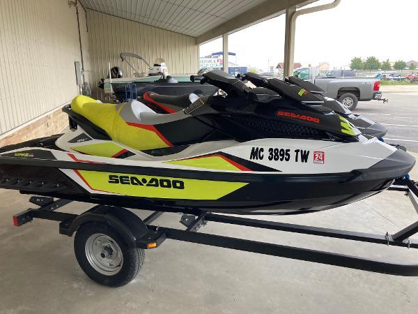 Sea-Doo Wakepro 215 & 2014 Sea-Doo GTX