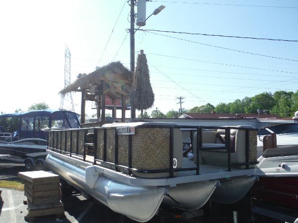 Veranda Mod Tri-Toon Tiki Party Barge