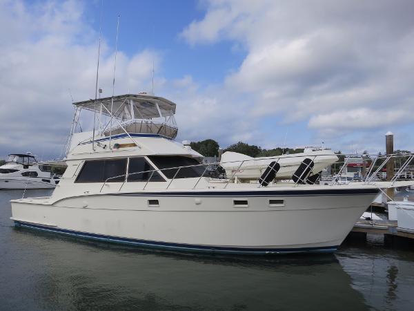 Hatteras 45 Convertible Main