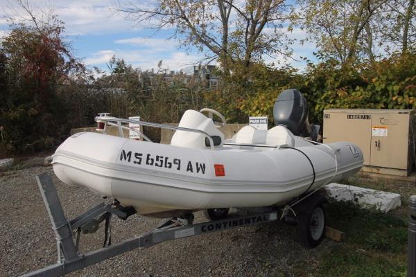 Zodiac Yachtline 340 RIB