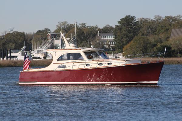 Vicem 42 Classic starboard profile