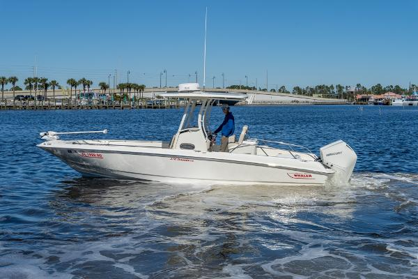Boston Whaler 270 Dauntless