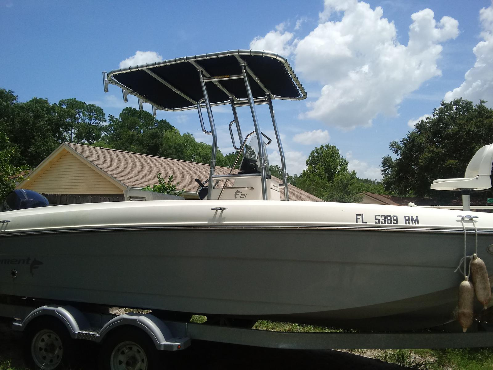 Bayliner Element F21