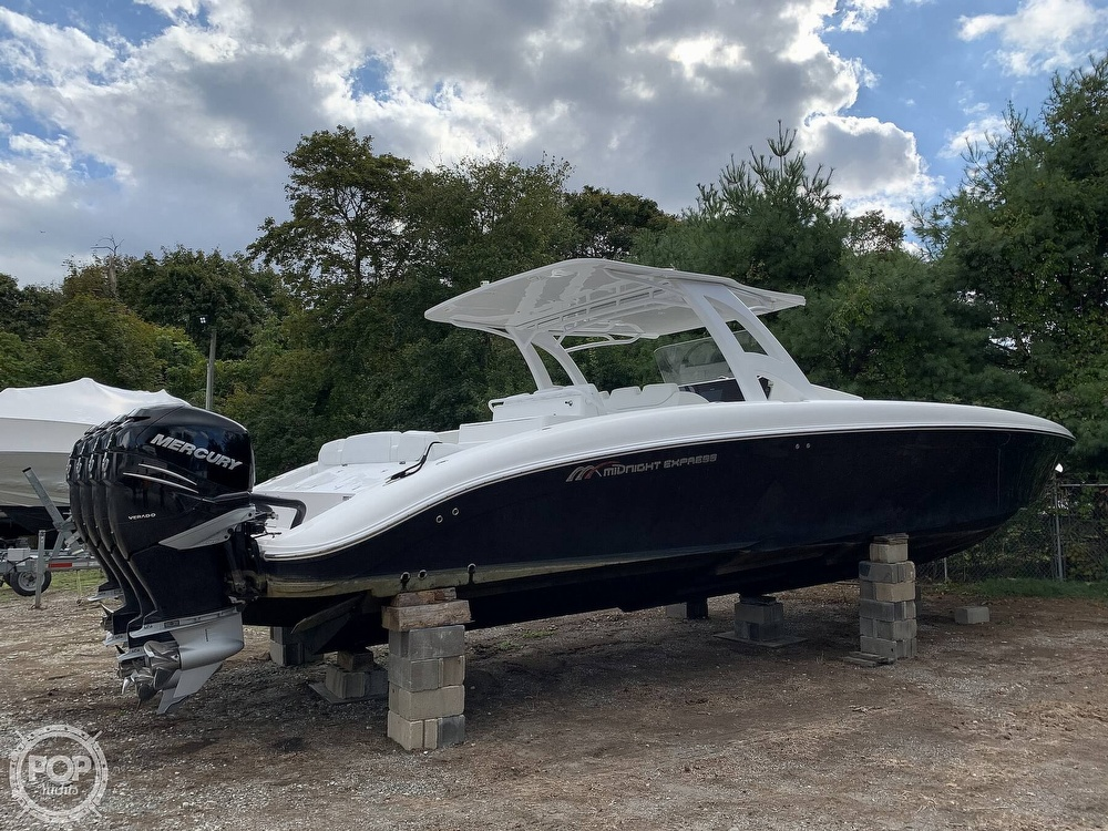 Midnight Express 43 Center Console 2016 Midnight Express 43 Center Console for sale in Patchogue, NY