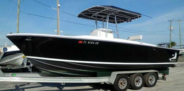 Bertram 25' Center Console