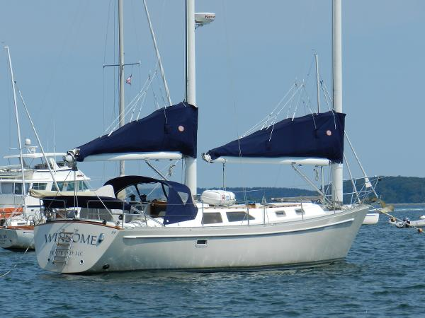 "Mach I-freedom Boats Express 39 Cat Ketch Freedom 39 Cat Ketch ""Winsome"""
