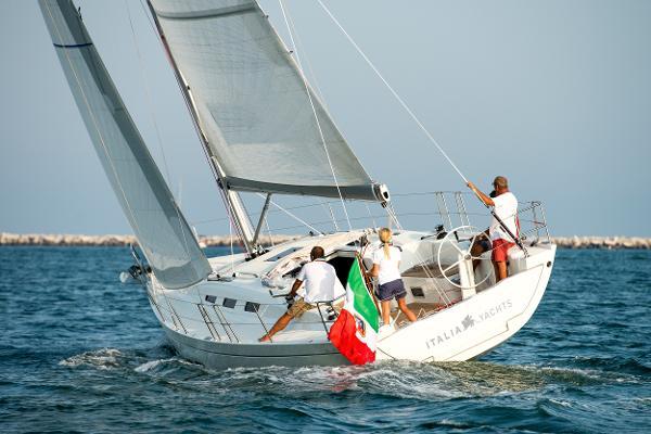 Italia Italia Yachts 12.98