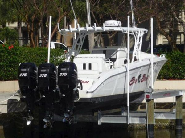 Midnight Express 39 Center Console Profile