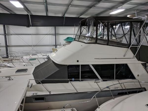 Silverton 40 Convertible Port Profile