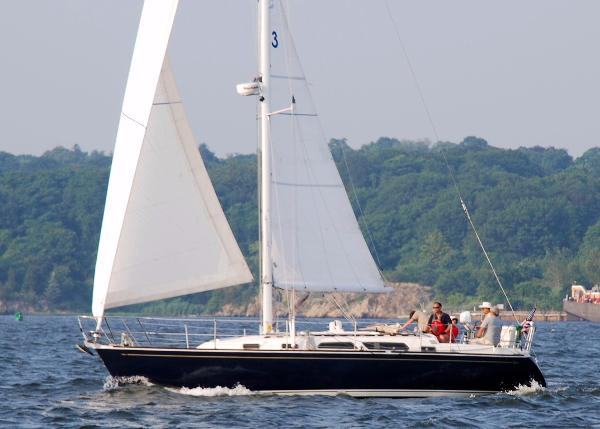 Sabre 362 CETACEAN under sail