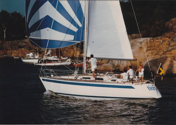 Sweden Yachts 340 under spinnaker
